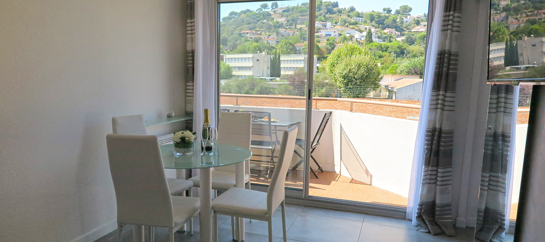 location-appartement-maison-cannes-antibes-vallauris-06-22